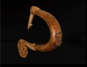 Chris Boylan Maori Fish Hook, New Zealand 19th Century Collected 1875. ex-private museum South Australia PRICE: 18,000 POUNDS