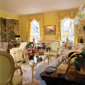Neoclassical House, Houston, TX—living room. © Gordon Beall / Architectural Digest © Conde Nast Publications