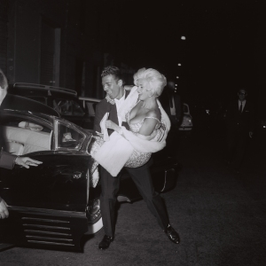 "Marcello Geppetti (1933-1998) Jayne Mansfield and Mike Hargitay leaving ""Piccola Budapest"", Rome, October 1962"