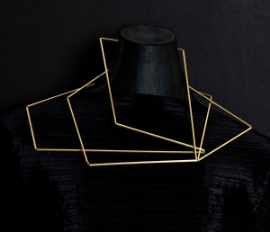 Ute Decker – 'Articulation' neck sculpture in 100% recycled gold