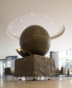 HELISPHERE (Half Scale), 2009-2014 Nickel Bronze AP of 5  120 x 75 x 75cm ©