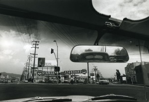 Dennis Hopper Double Standard, 1961 Photograph, 17.45 x 24.87 cm The Hopper Art Trust © Dennis Hopper, courtesy The Hopper Art Trust. www.dennishopper.com