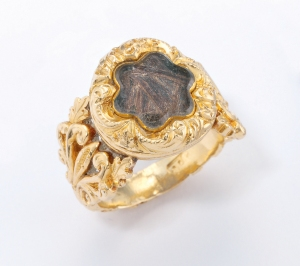 NAPOLEON RING with a lock of the Emperor's hair