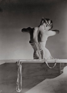 Corset by Detolle for Mainbocher 1939 © Condé Nast / Horst Estate