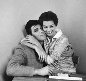 ELVIS PRESLEY AND SOPHIA LOREN, 1958 WILLOUGHBY, BOB (1927-2009) © Bob Willoughby/Beetles+Huxley