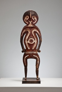 BIOMA ANCESTOR FIGURE c. 1900 Papuan Gulf, Papua New Guinea Ochre and kaolin on carved wood 53.6 cm height  £5,750  Kapil Jariwala