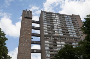 NT London Goldfinger bus tour goes to Balfron Tower, courtesy Sophia Schorr-Kon