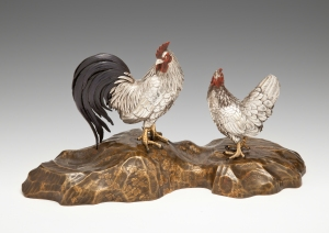 Japanese silver cockerel and hen on a gold lacquer base, signed Hidetomo, Meiji Period (1868-1912). Laura Bordignon Antiques