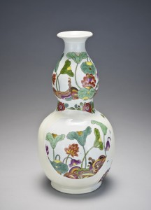 Fragments of a bottle-gourd vase, ca. 1726–1730 Meissen porcelain manufactory.  Bequest of Malcolm D. Gutter