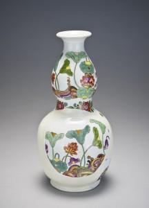 Fragments of a bottle-gourd vase, ca. 1726–1730 Meissen porcelain manufactory.  Bequest of Malcolm D. Gutter