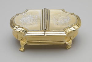 Salt cellar acquired by George I, c.1721 and placed in front of The Queen and The Duke of Edinburgh at a State Banquet. It contains two compartments - one for salt, the other mustard. Royal Collection Trust (c) Her Majesty Queen Elizabeth II, 2015