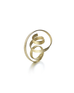 Julia Peyton-Jones Selects - Ute Decker – Curl – sculptural ring & pendant in 18ct Fairtrade gold Image © The Goldsmiths' Company. Photography by Richard Valencia
