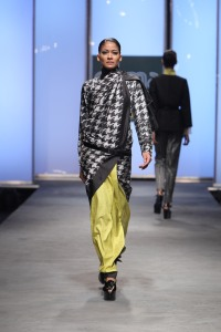 Houndstooth sari by Abraham & Thakore, double ikat silk, Hyderabad Artist: Date: 2011 Credit line: Photograph courtesy of Abraham & Thakore
