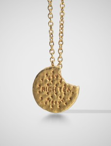 Gavin Turk Ceremonial Biscuit, Large, 2014 18k gold 6.5 cm x 0.5 cm Courtesy of Louisa Guinness Gallery, PAD London 2015