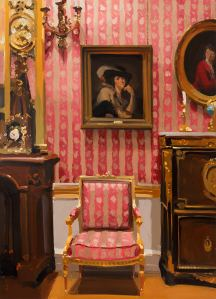 Alan Kingsbury RWA Room in Pink and Gold oil on canvas 70 x 50 ins (178 x 127 cms) Photography by Simon Cook