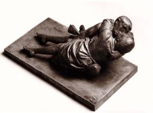Lovers bronze cm. h. 35 x 70 Courtesy: Galleria d'Arte Maggiore, Bologna