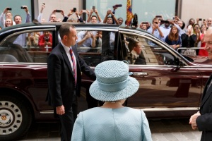 TheDrapers' Livery 650thAnniversary, TheQueen visiting the Drapers' Livery Hall 2014. © Martin Parr / Magnum Photos