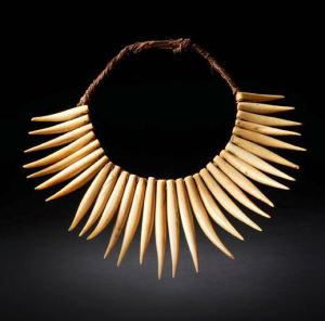 Patrick & Ondine Mestdagh Wasekaseka necklace Fiji Islands 18th century Whaletooth Courtesy Patrick & Ondine Mestdagh