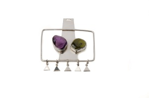 Barbara Cartlidge and Electrum Gallery: A Passion for Jewellery Pendant, silver amethyst and green agate, c1968. Photo: Elke Bock